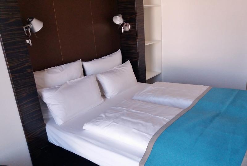 Motel one d sseldorf hauptbahnhof entdeckerei for Breckle matratzen motel one